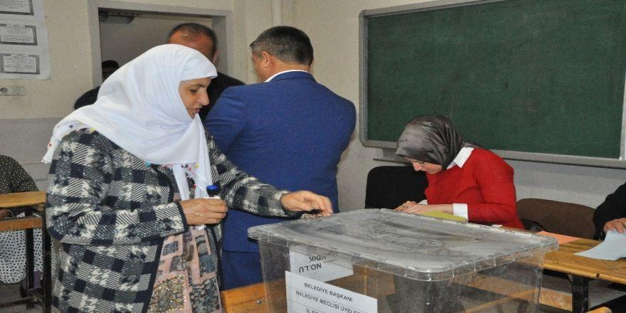 Şırnak'ta Oy Kullanma İşlemi Başladı