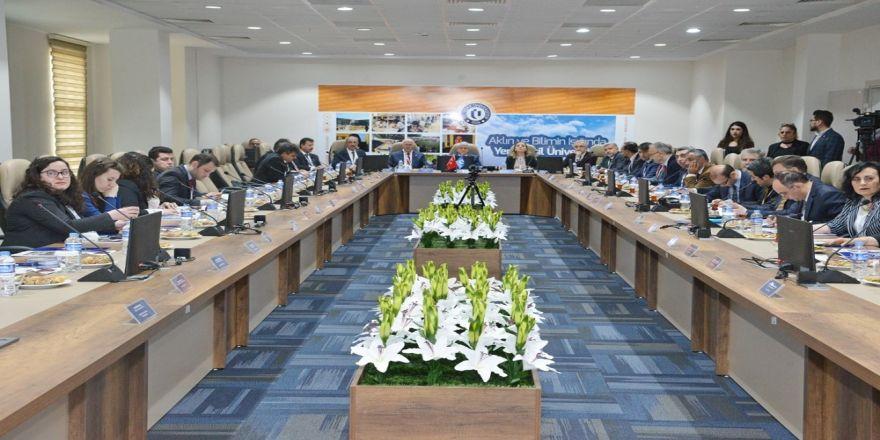 Rektör Karakaya, Uşak'ta Pilot Üniversite Paydaş Toplantısına Katıldı