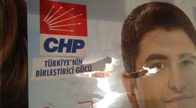 CHP'ye Saldırıyı Gördüğünü İddia Eden Şahıs: En Az 5 El Ateş Edildi