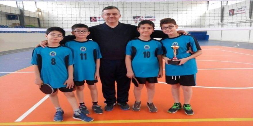 Osmanbey Ortaokulu Küçük Erkekler Masa Tenisi Takımı İl Birincisi Oldu