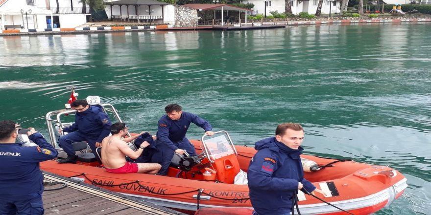 Alkollü denize girdi, 153 lira ceza yedi