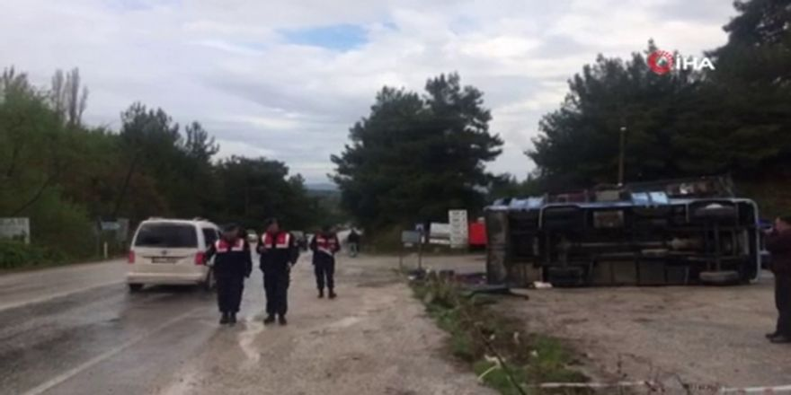 Tarım İşçilerini Taşıyan Araç Kaza Yaptı: Çok Sayıda Yaralı