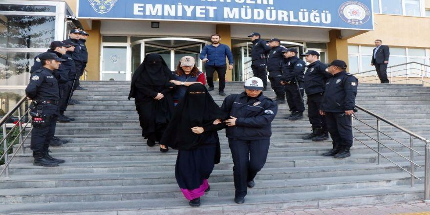 Rus Uyruklu Deaş Sanığı Kadın, Kayseri'yi Hayat Ucuz Olduğu İçin Tercih Ettiklerini Söyledi