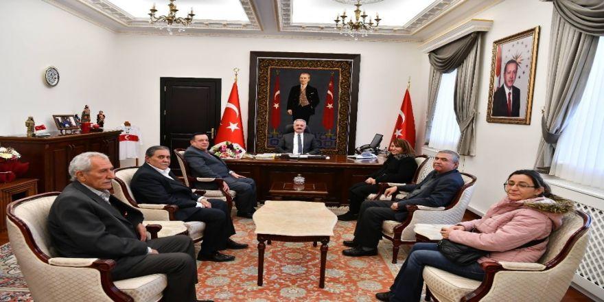 Vali Seymenoğlu'ndan Emeklilerin Ucuz Konut Talebine Destek Sözü