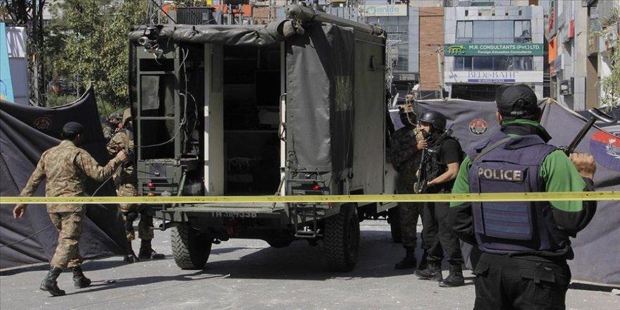 Pakistan'da pazar yerinde patlama: 8 ölü