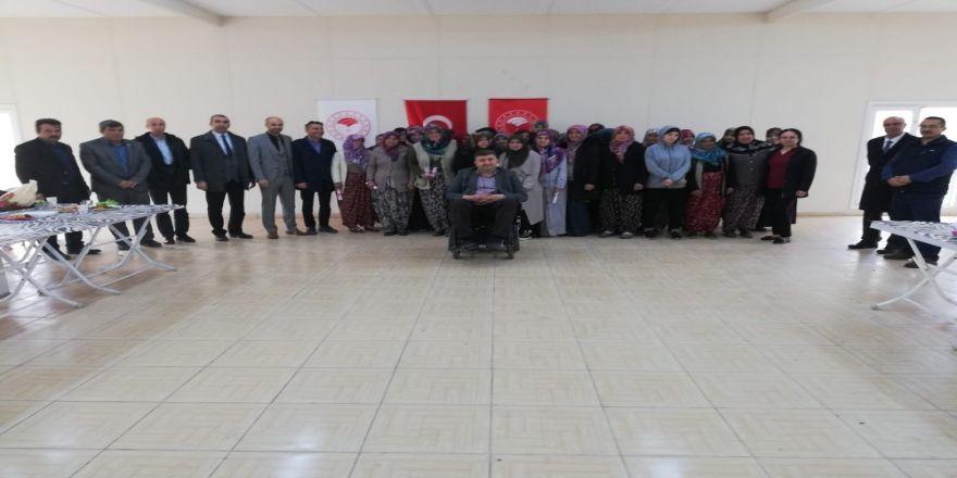 Arıcılık Kursuna Katılan 37 Bayan Kursiyer Belgelerini Aldı
