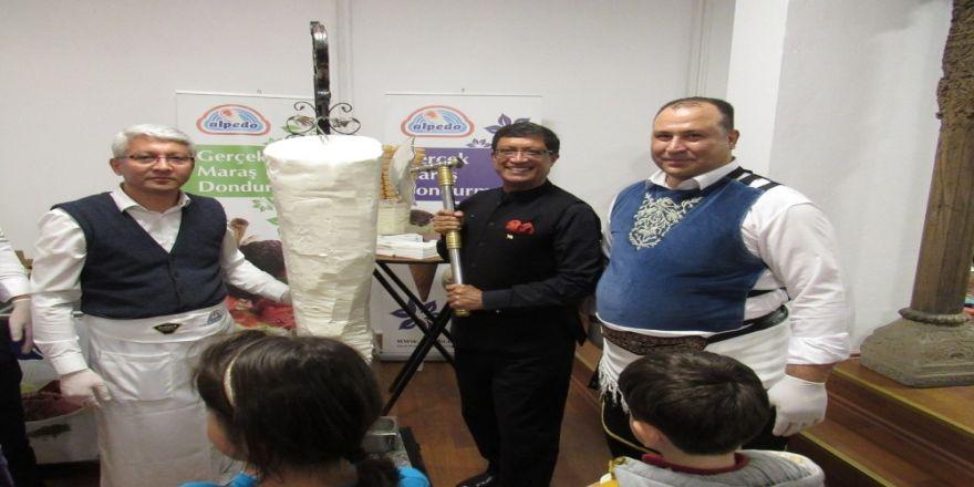 Hindistan Büyükelçiliği'nde Dondurma Şov