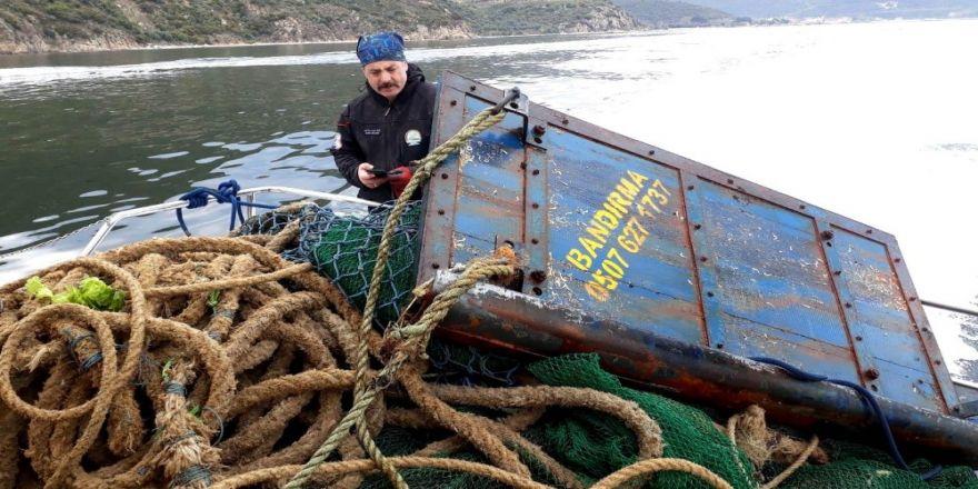 Yalova'da Yasak Trol Ağları Denizden Toplandı