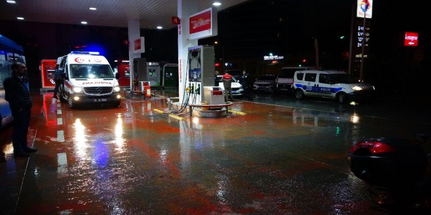 Benzin İstasyonunda Kavga: 3 Yaralı