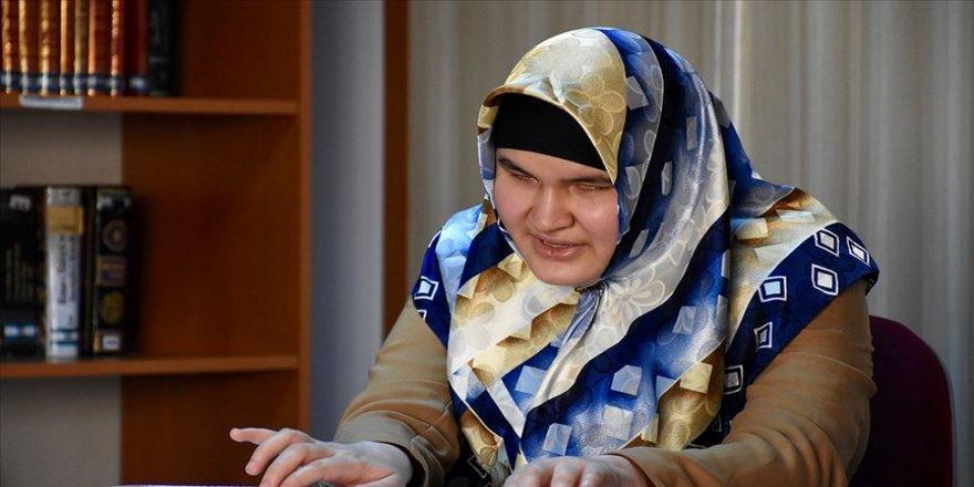 Görme engelli Özbek kızın Kur'an aşkı