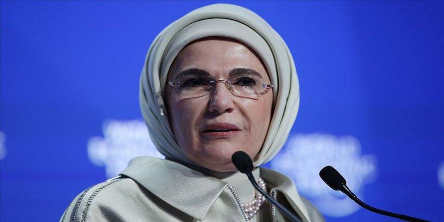 Emine Erdoğan'a ödülü