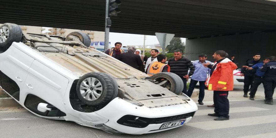 Mardin'de Bir Araçla Çarpışan Otomobil Takla Attı: 3 Yaralı