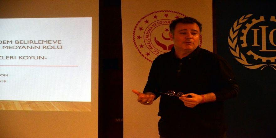 """""""Mülteci Haberleri: Gündem Belirleme Ve Kamuoyu Oluşturmada Medyanın Rolü"""" Semineri"""