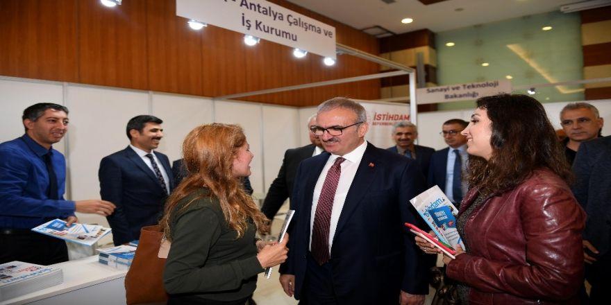 """Vali Karaloğlu: """" 150 Bin İstihdamın Üzerine Çıkacağız """""""