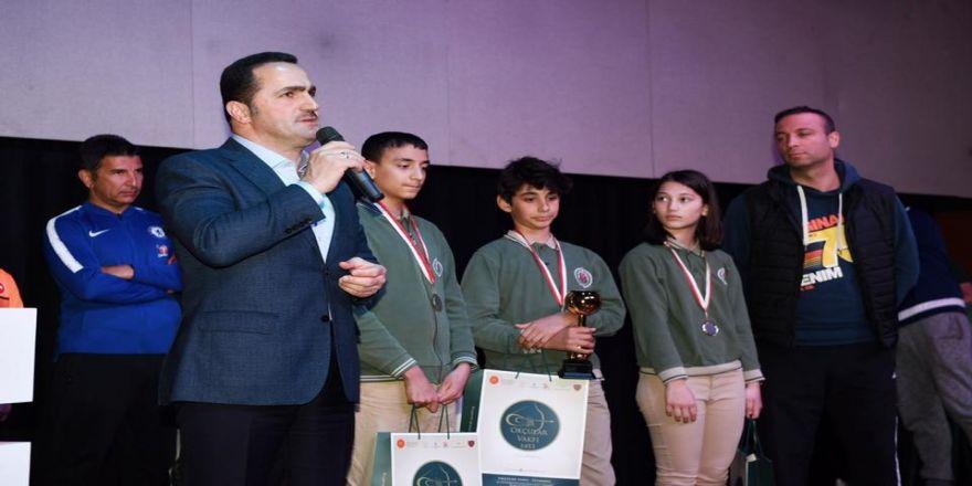 Başkan Yıldız, Genç Okçulara Ödüllerini Takdim Etti
