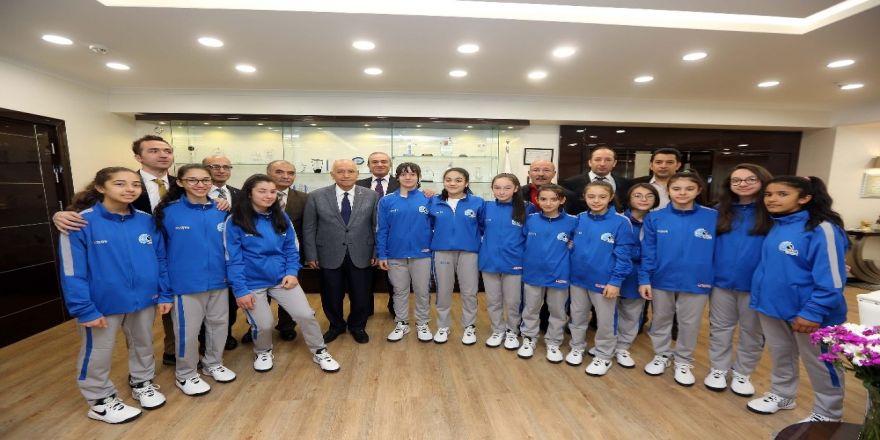 Yenimahalle'nin Midi Kızları Türkiye Şampiyonası'nda