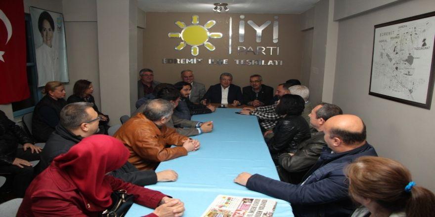 Edremit'te Chp'li Başkan, İyi Partiyi Ziyaret Etti