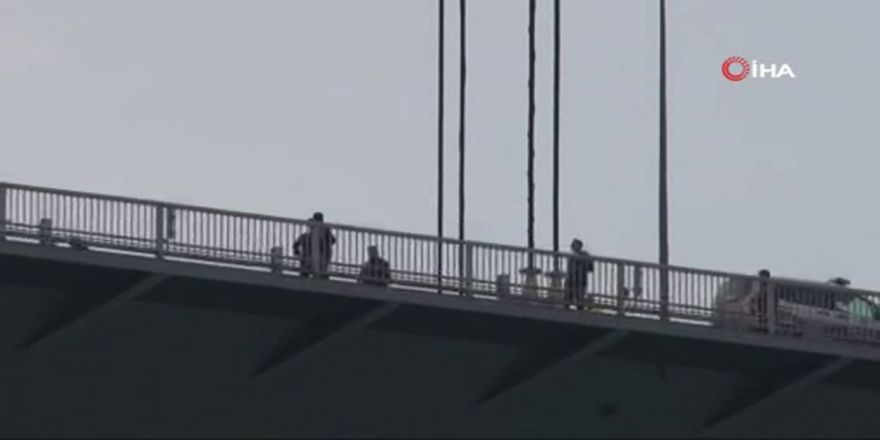 Köprüdeki İntihar Girişimi Havadan Görüntülendi