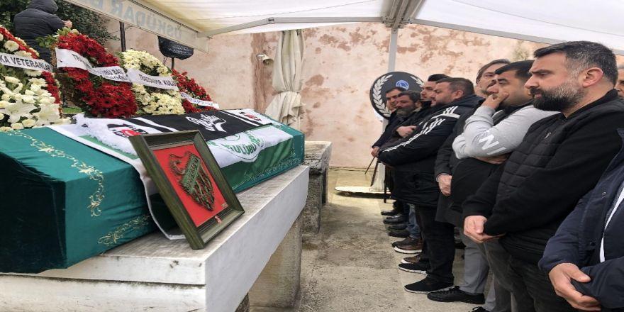 Antalya'da Trafik Kazasında Hayatını Kaybeden Futbolcu Gürkan Helvacıoğlu Son Yolculuğuna Uğurlandı