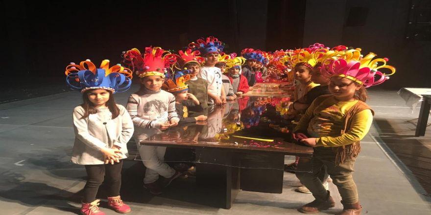 Diyarbakır'da Sihirli Şapkalar Ve Çamurdan Maske Etkinliği