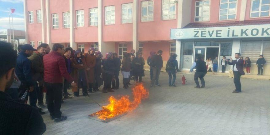 Öğretmen ve personele yangın eğitimi