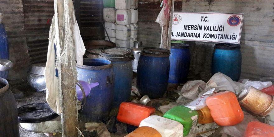 Tarsus'ta 2 Bin 650 Litre Kaçak İçki Ele Geçirildi