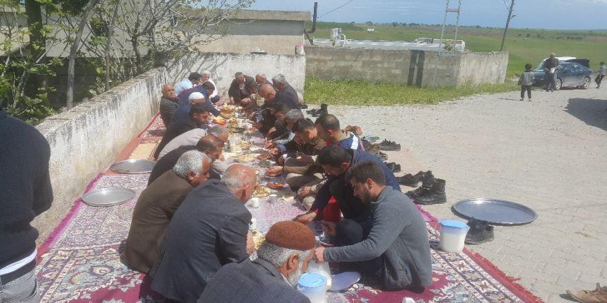 Bağarası Köy Halkı Şükür Duasına Çıktı