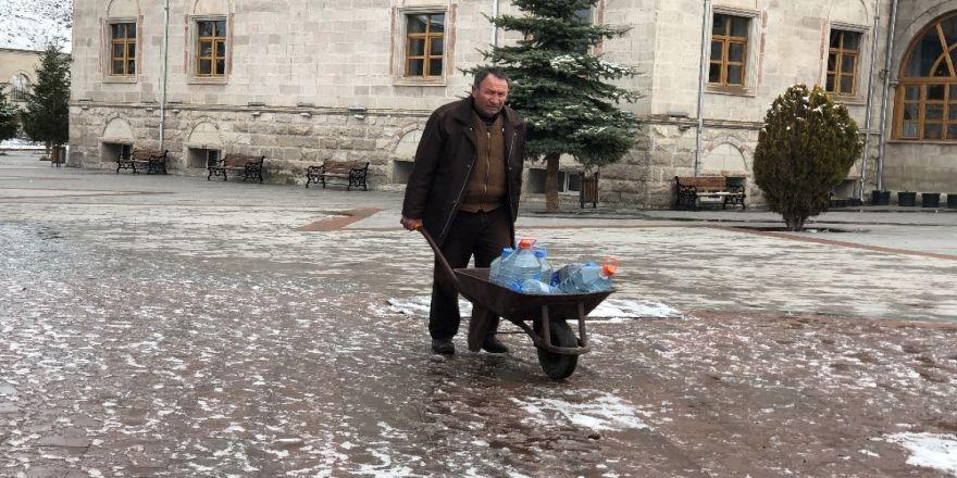 Kış Kars'ta hüküm sürüyor
