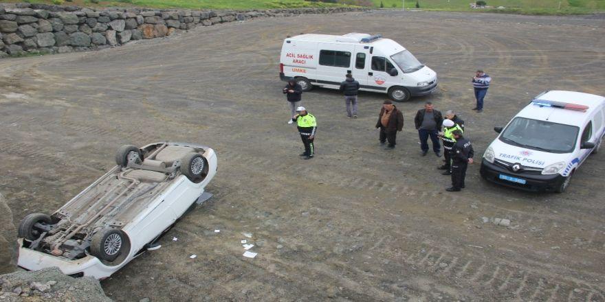 Alkolün Etkisiyle Otomobil İle 4 Metre Yükseklikten Düştüler