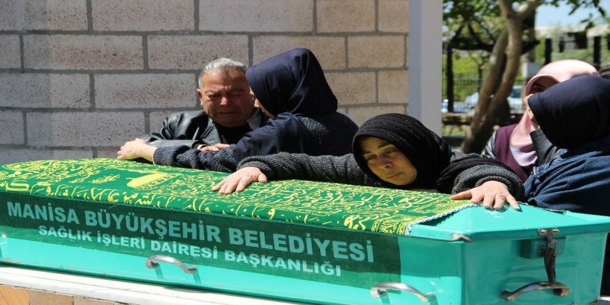 Manisa'daki Cinayetlerin Aşk Değil Çete Yüzünden Olduğu İddiası