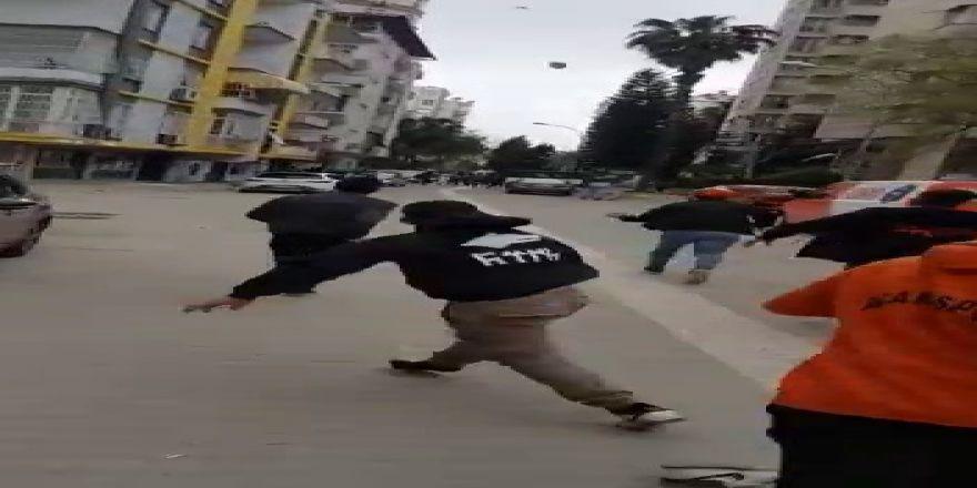 Adana'da Derbi Öncesi Taraftarlar Birbirine Saldırdı