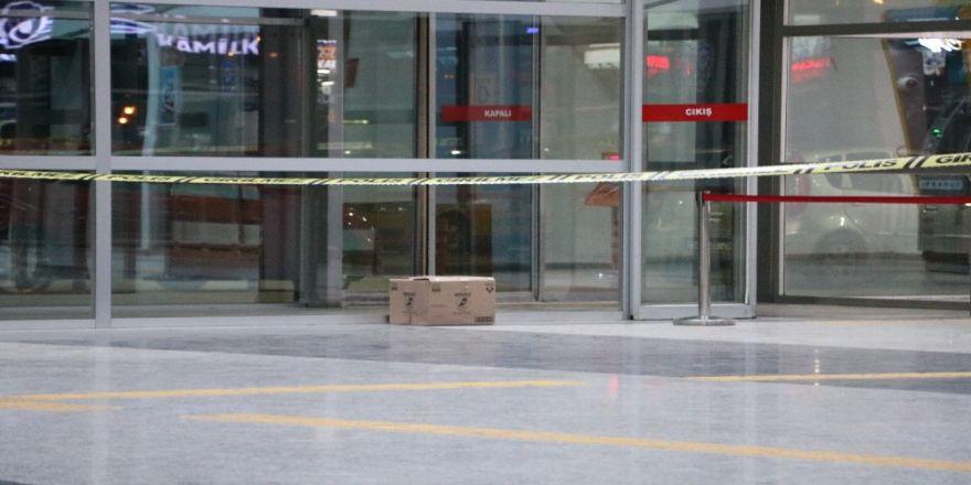 Terminalde Unutulan Kutu Paniğe Neden Oldu