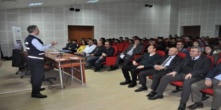 DPÜ'de 'Temel Afet Bilinci' semineri