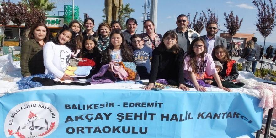 Akçay'da Düzenlenen Kermes İlgi Gördü