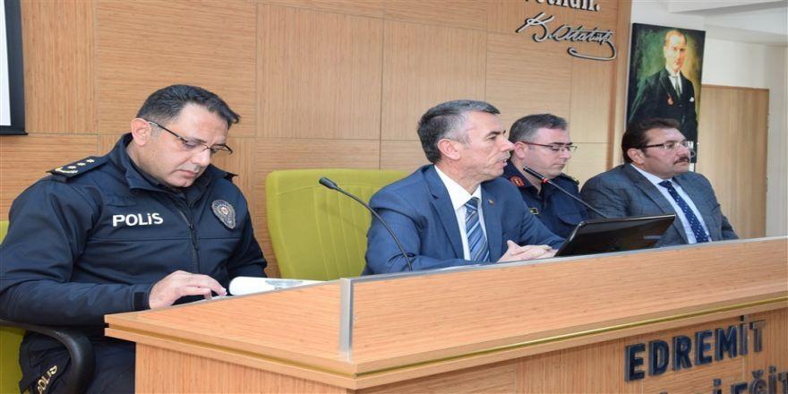 Edremit'te Yeni Dönemin İlk Muhtarlar Toplantısı Yapıldı