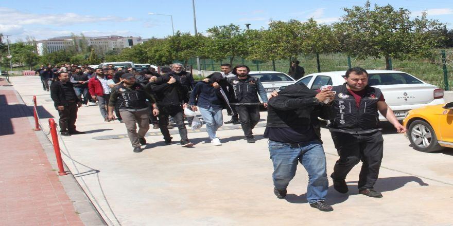 """4 İlde """"Torbacı"""" Operasyonunda 43 Gözaltı"""