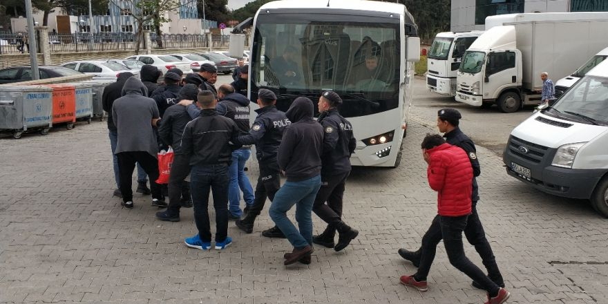 """Samsun'da """"Torbacı"""" Operasyonunda 6 Kişi Tutuklandı"""