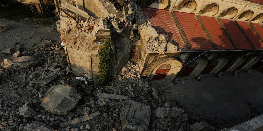 Depremde ölü sayısı 11'e yükseldi