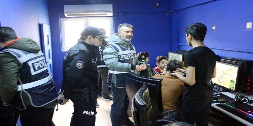 Emniyet Genel Müdürlüğü Ve Jandarma Genel Komutanlığı'ndan 81 İlde Eş Zamanlı Huzurlu Sokaklar Uygulaması