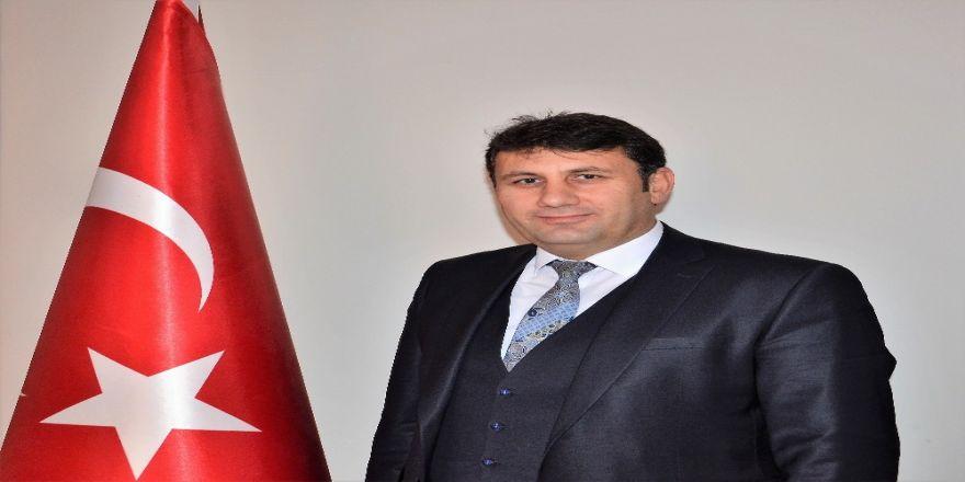 Çat Belediye Başkanı Yaşar'dan 23 Nisan Mesajı