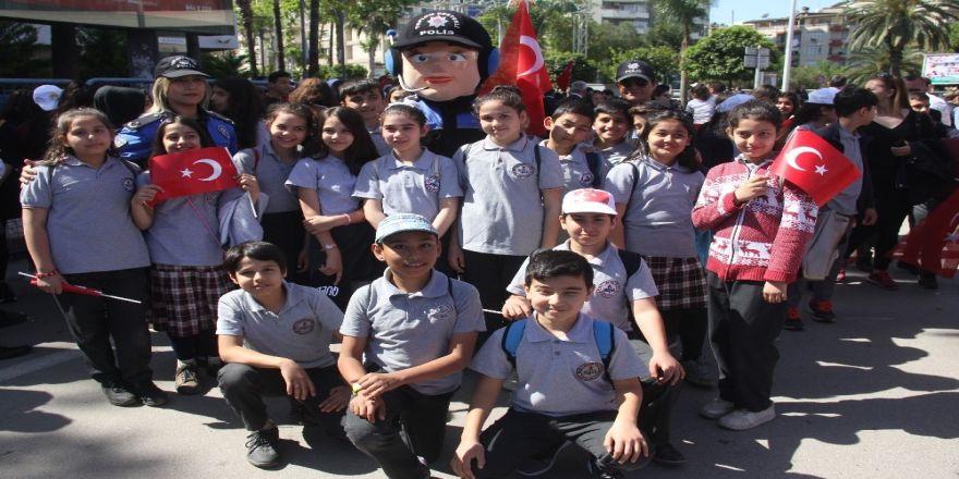 Adana'da 23 Nisan Ulusal Egemenlik Ve Çocuk Bayramı Coşkusu