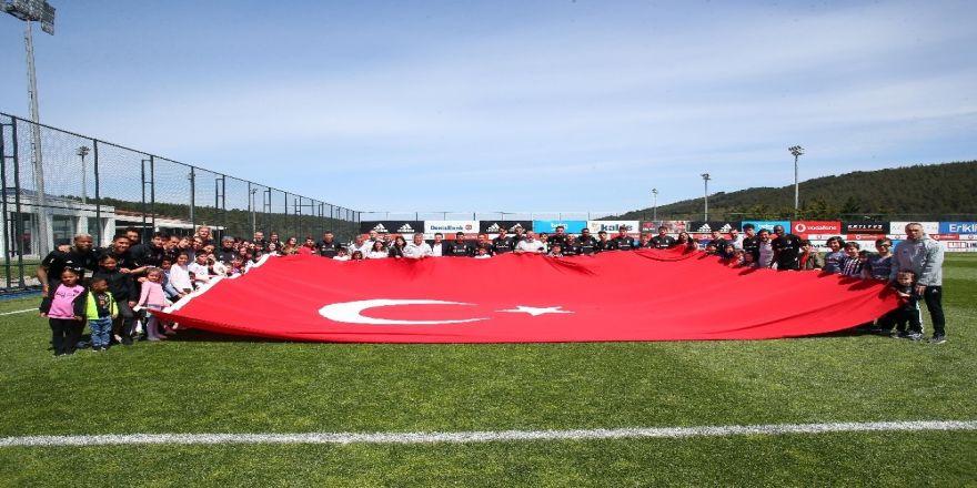 Beşiktaş Nevzat Demir Tesisleri'nde 23 Nisan coşkusu