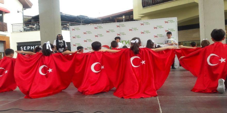 Forum Aydın'ın Geleneksel 'Çocuk Şenliği' Renkli Görüntülere Sahne Oluyor