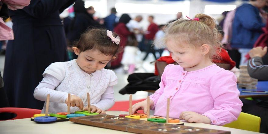 Isparta'da Çocuklar 23 Nisan'ı Doyasıya Kutladı