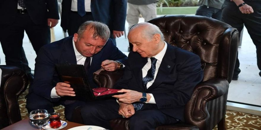 Başkan Aydın, Mhp Lideri Bahçeli'ye Sanat-ı Tesbih Hediye Etti