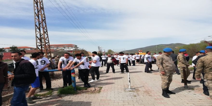 Güvenlik Korucu Adayları Mülakata Girdi