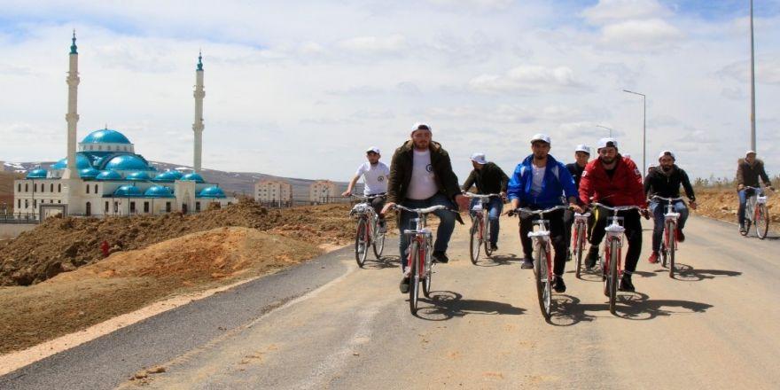Bayburt Üniversitesi Öğrencileri 'Geleceğe Pedal Çevirdi'