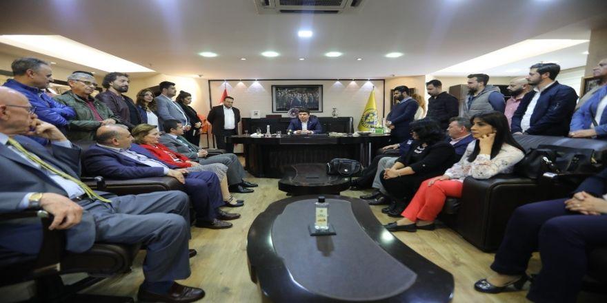 Chp İzmir İl Teşkilatı'ndan Kılıç'a Tebrik Ziyareti