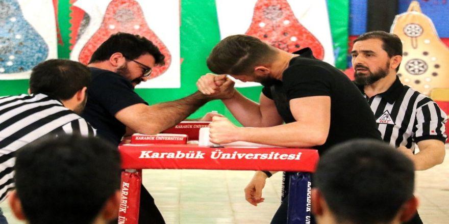 Kbü'de 25 Sporcu Şampiyon Olmak İçin Yarıştı