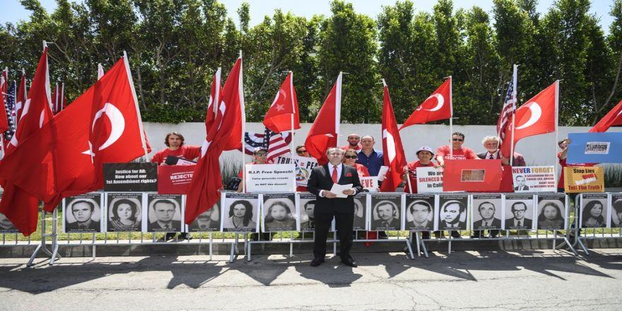 Amerikalı Türklerden Anlamlı Karşı Gösteri